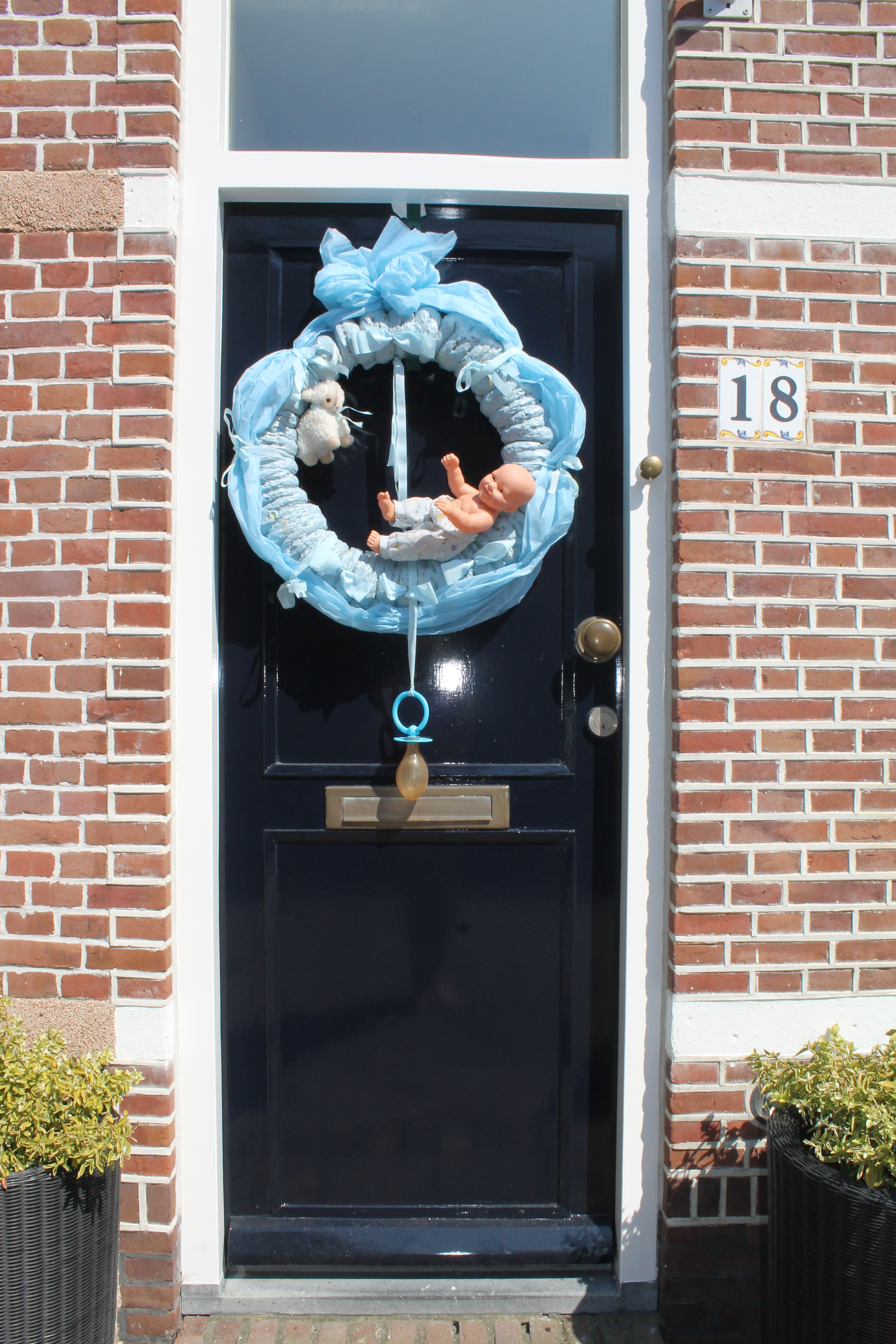 Geboorteborden in de tuin raam of voordeur de feesttuin for Decoratie raam